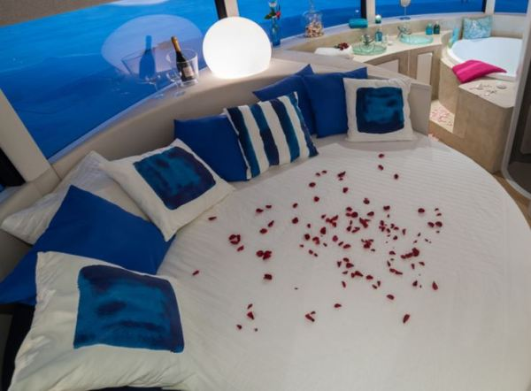 ANTHENEA IS THE FIRST FLOATING ECO-LUX HOTEL SUITE interior