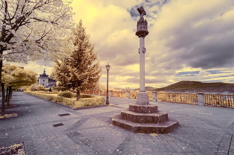 Pamplona Infrared Timelapse Travel Video by Martin Zalba 2019