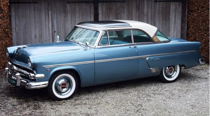"Classic Cars: 1954 Ford Crestline ""Skyliner"" Featured A Glass Roof"