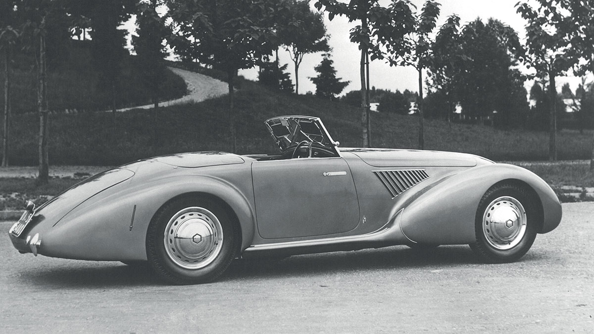 Heritage-1939-AlfaRomeo-8C-2900-CabAero