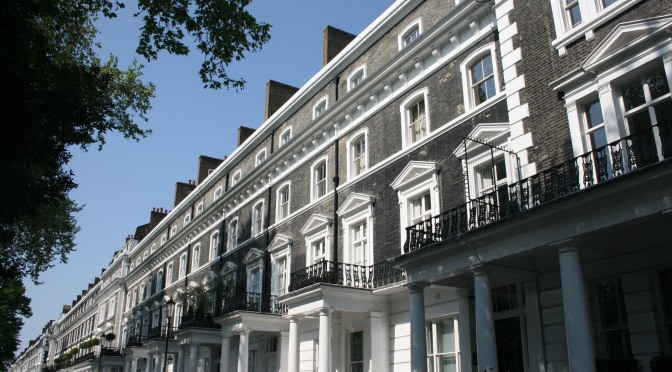 "Design: The History Behind ""Two-Up, Two-Down"" London Row Houses"