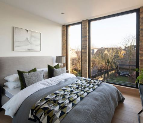 The Coach House by Selencky Parsons architects London Infill house upstairs bedroom
