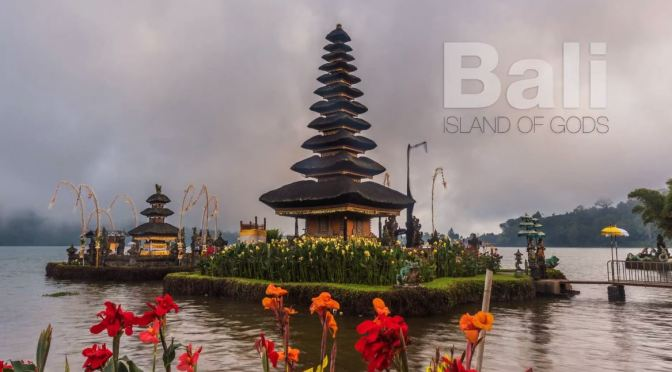 "Timelapse Travel Videos: ""Bali – Island Of Gods"" By Martien Janssen (2020)"
