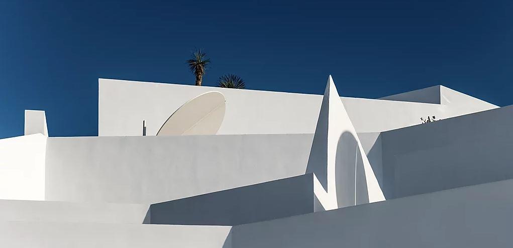 Kapsimalis Architects Saint Hotel Santorini Greece