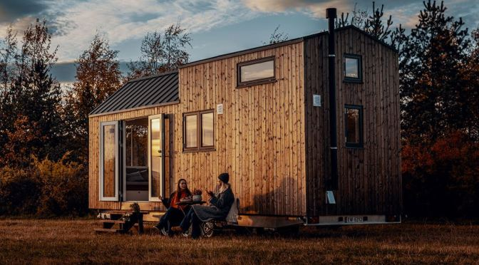 "Tiny Homes: Norwegian ""Norske Mikrohus"" – High Quality Natural Materials"