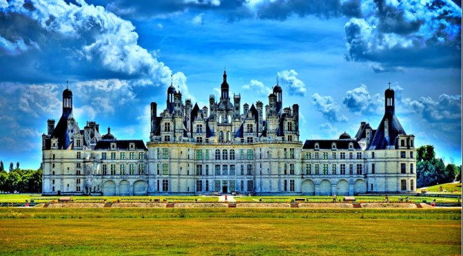"Top New Travel Videos: ""Chateau De Chambord"" In France (Architecture)"