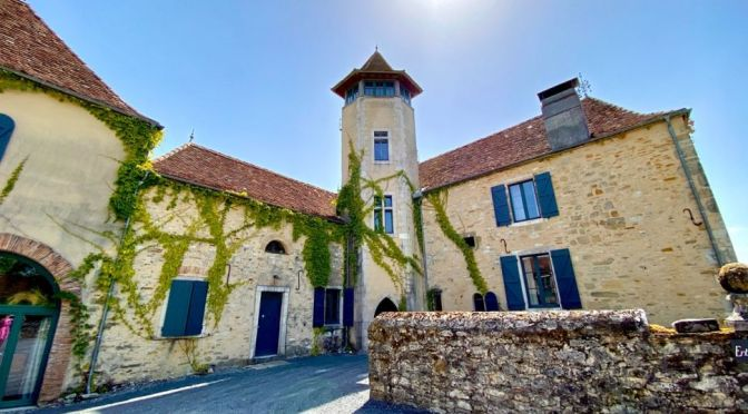 French Château Tours: Historic 17th Century In Béarn Region (Video)
