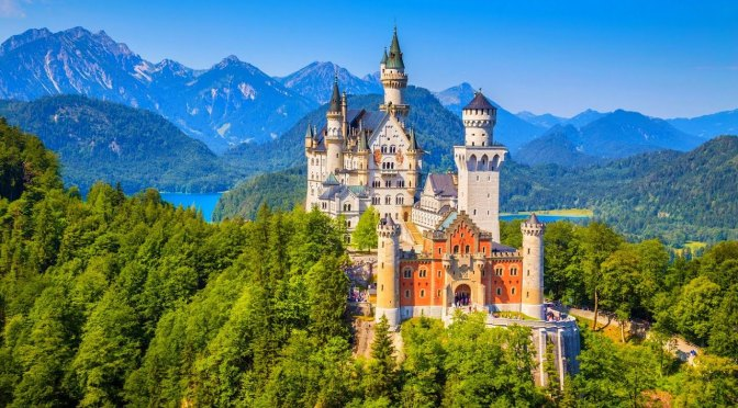 "Travel & Architecture: ""Neuschwanstein Castle"" Bavaria, Germany (Video)"