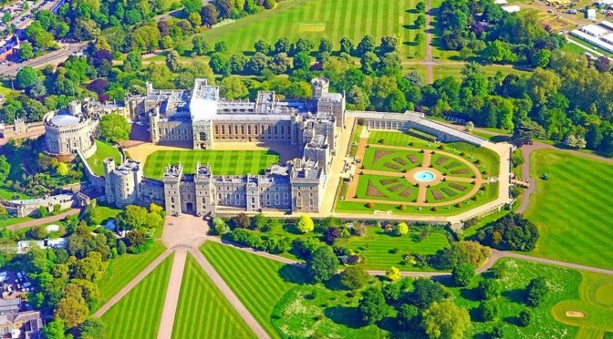"Travel & Architecture: ""Windsor Castle"" In Berkshire, England (Video)"