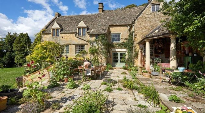 "Cotswolds Home Tours: ""Manor House At Chipping Norton"", Oxfordshire, UK"