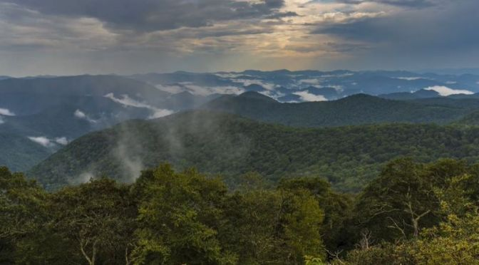 "Timelapse Travel Videos: ""Time Passes"" – Great Smoky Mountains & Blue Ridge Parkway, North Carolina"