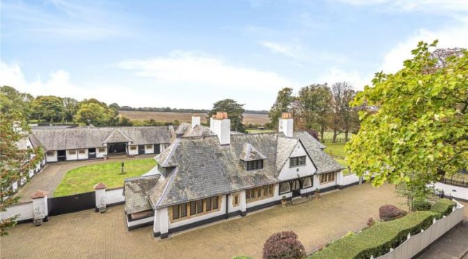 English Country Home Tours: Equestrian Estate Of Jockey Frankie Dettori