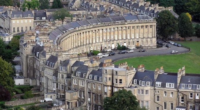 Walking Tours: 'Classic Georgian Architecture' In Bath, England (Video)