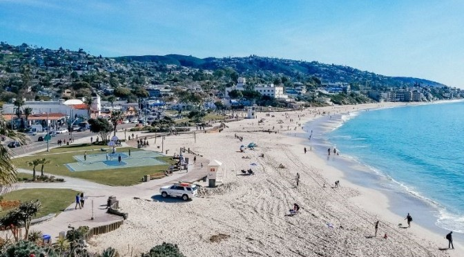 Walking Tours: 'Laguna Beach' – California (Video)
