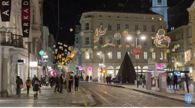 Travel: Christmas Lights In Linz, Austria (Video)