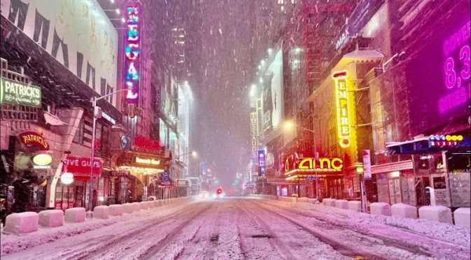 Walking Tours: 'New York City' In Snowstorm (Video)