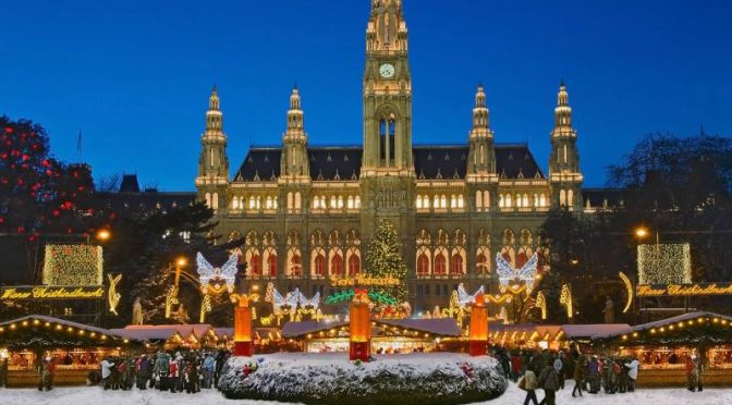 Walking Tours: Christmas In Vienna, Austria (Video)