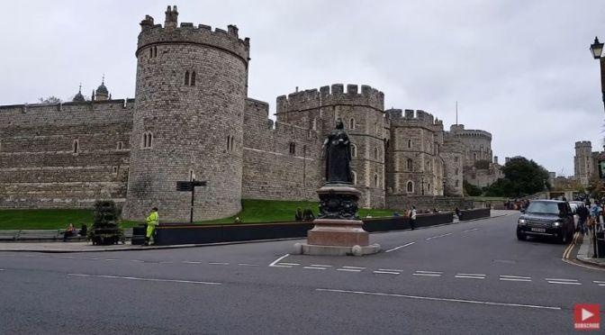 Walking Tours: 'Windsor'- Berkshire, England (Video)