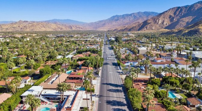 Walks: 'Downtown Palm Springs, California' (Video)