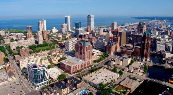 City Views: 'Milwaukee – Wisconsin' (4K UHD video)