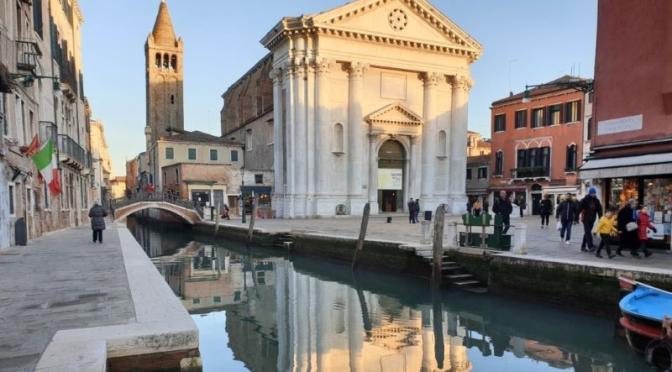 Walk: 'East Dorsoduro District' In Venice (Video)