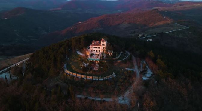 Italian Villa Tours: 'Gubbio – Umbrian Hills' (Video)