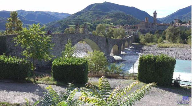 Village Views: ' Bobbio – Northern Italy' (Video)