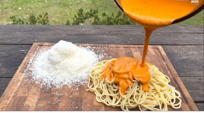 Culinary Arts: Tomato, Bell Pepper, Olive Oil & Pecorino Cheese Pasta