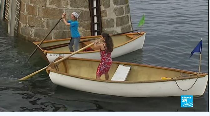 Views: Stern Sculling On French Island Of Groix