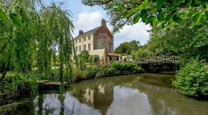 English Country Homes: The Old Rectory Near Beeston, North Norfolk