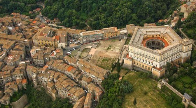 Guided Walking Tour: 'Villa Farnese – Italy' (4K)
