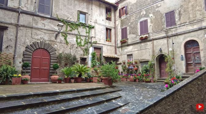 Village Walks: Bracciano – Central Italy (4K Video)