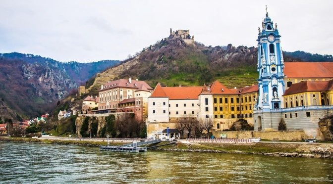 Walks: Dürnstein On The Danube River, Austria (4K)