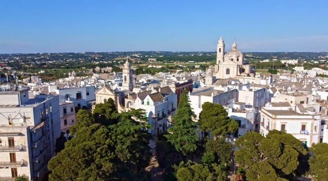 Walks: Locorotondo In Apulia, Southern Italy (4K)