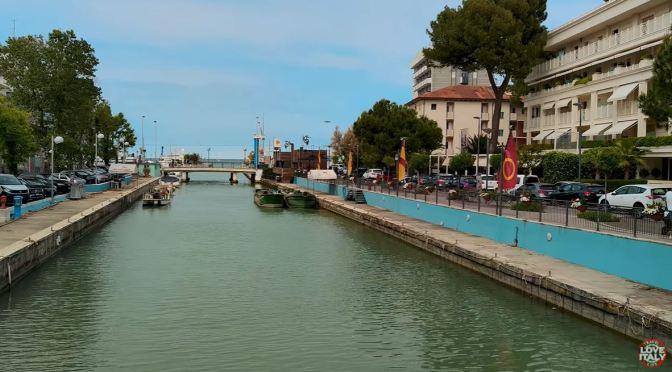 Walking Tour: Riccione – Northeastern Italy (4K)