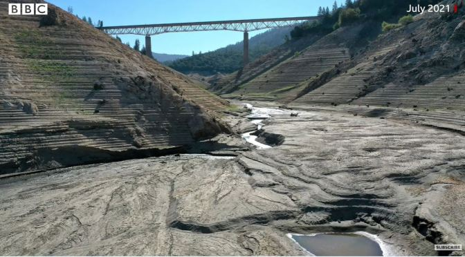 California Drought: Lake Oroville's Stunning Water Loss In Photos (2014 – 2021)