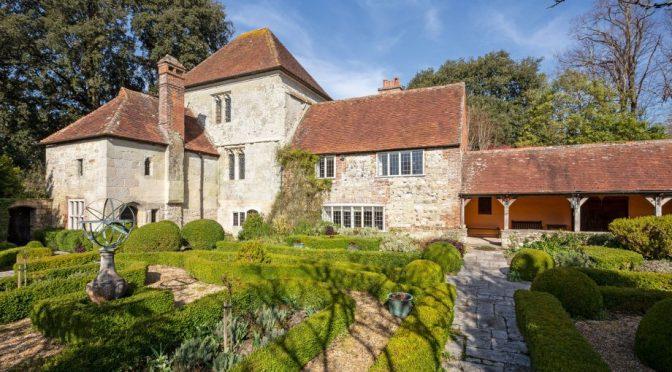 English Manor Houses: 15th Century 'Rymans' In Appledram, West Sussex
