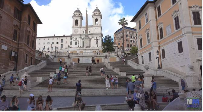 Iconic Views: The Spanish Steps In Rome, Italy (4K)