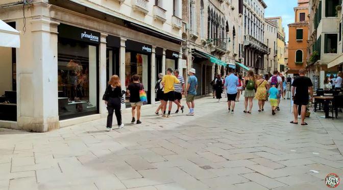 Views: Walking The 'Calli' Of Venice, Italy (4K Video)