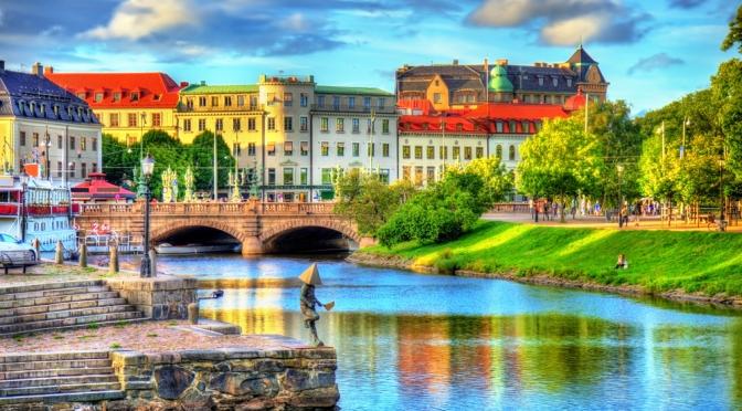 Views: Canal Boat Cruise, Gothenburg, Sweden (4K)