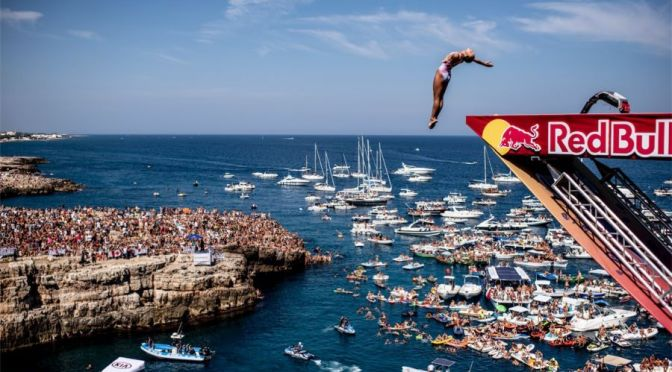 Sports Views: 2021 Cliff Diving Competition In Puglia, Italy (Video)