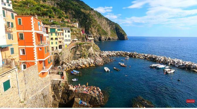 Walks: Riomaggiore – Cinque Terre, Italy (4K)