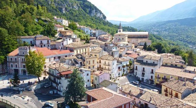 Walks: Caramanico Terme In Abruzzo, Italy (4K)