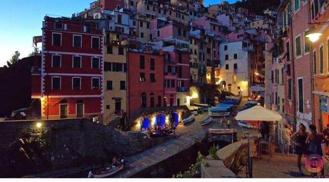 Dusk Walks: Riomaggiore – Cinque Terre, Italy (4K)